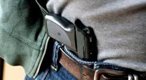 porte-de-arma-5a744e9e1bbd5_5a74505c20092.jpg
